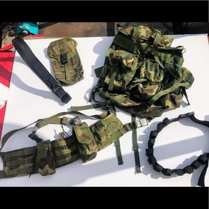 Camo Tactical Field Gear. Excellent Condition
